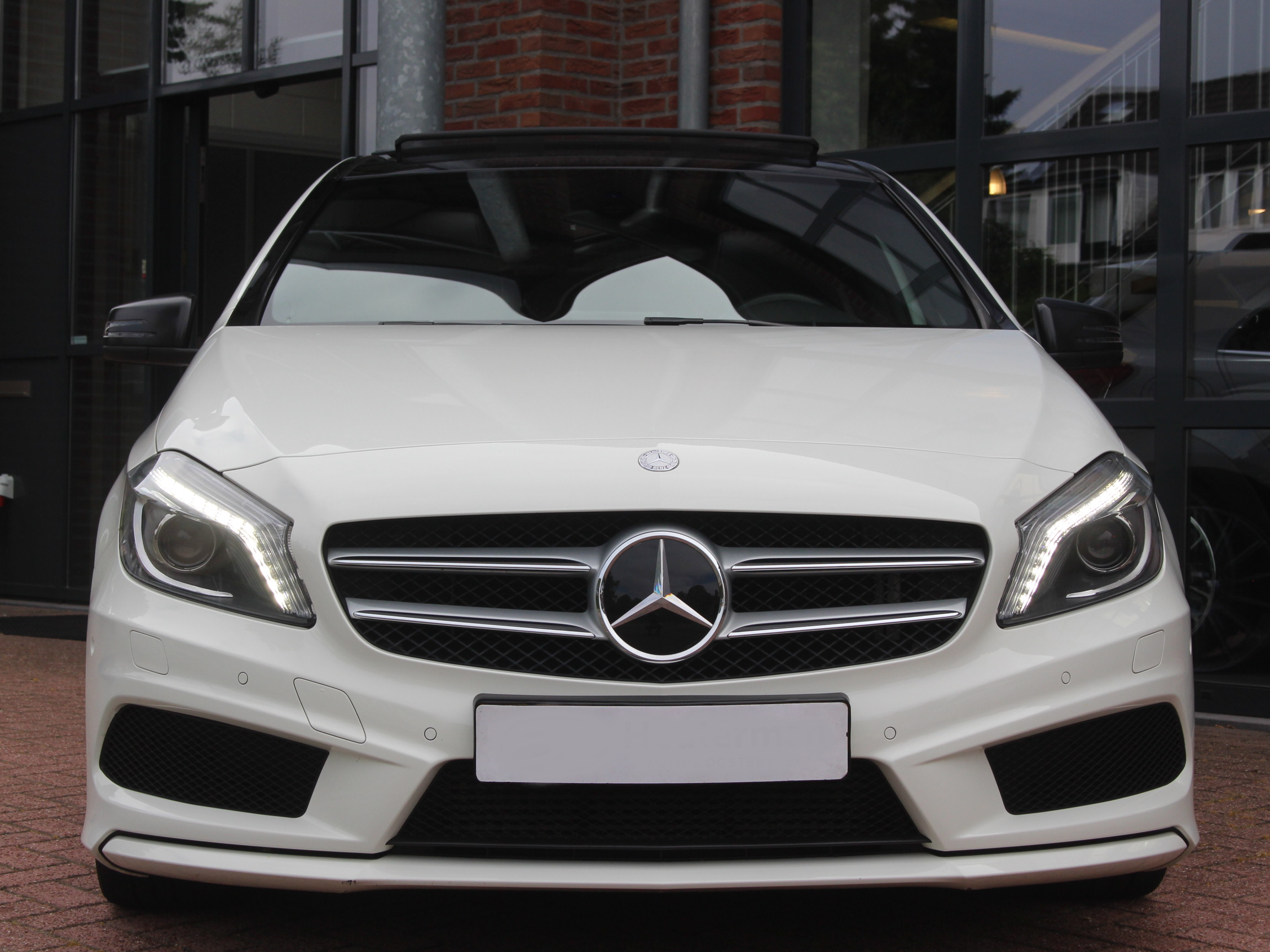 --- VERKOCHT --- Mercedes A-Klasse 1.6 A200 Blue Efficiency AUT 2012 Wit