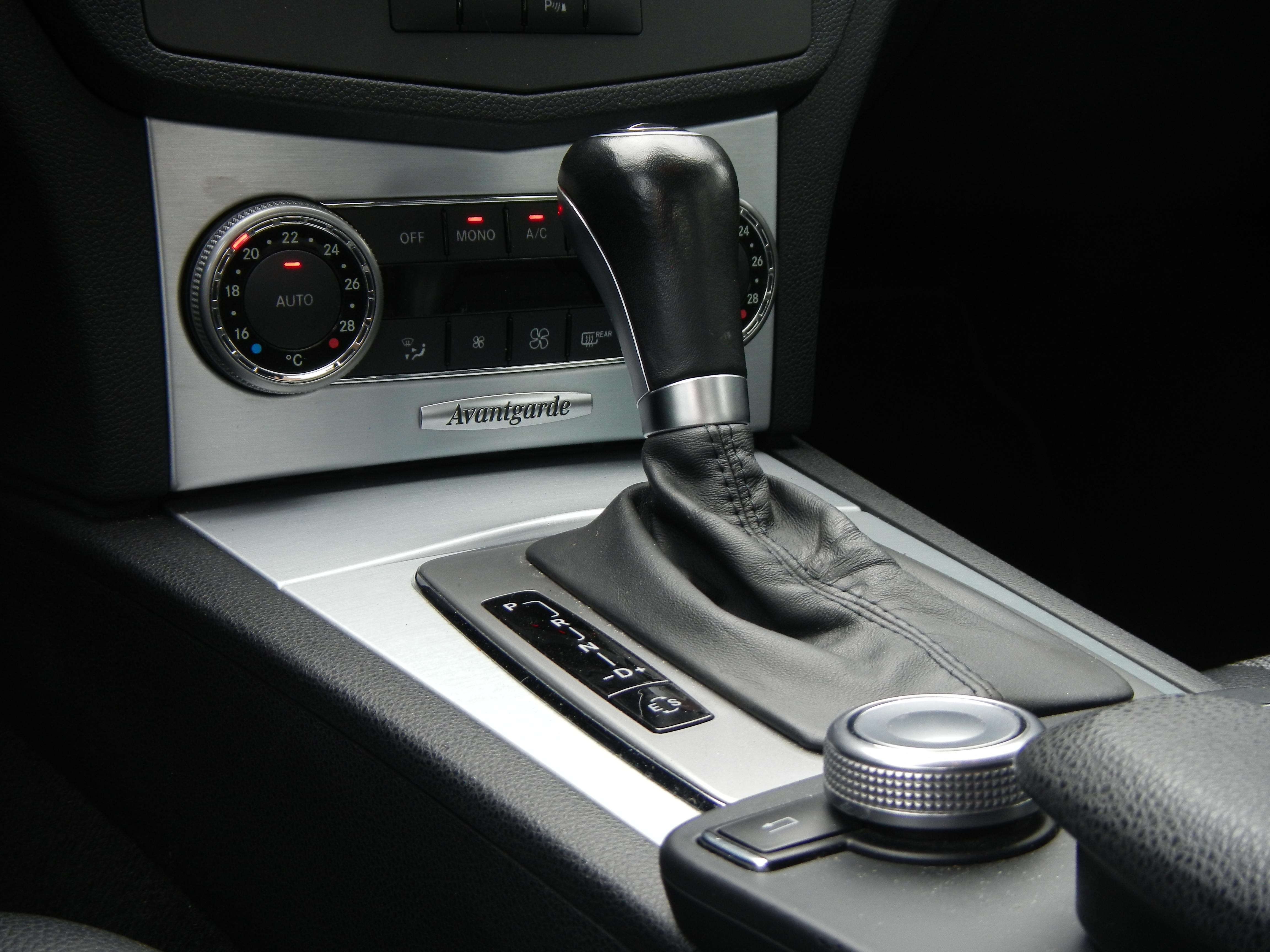 Mercedes C-Klasse 1.8 C180 CGI Sedan AUT 2011 Zwart